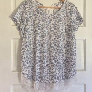 Lauren Conrad Lace Trim Tie Back Top Size M